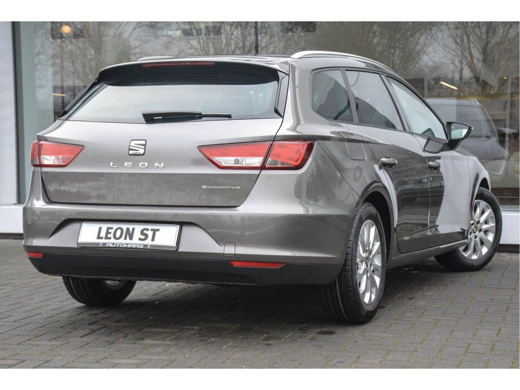 seat-leon-st-1-0-ecotsi-style-connected-last-edition-03