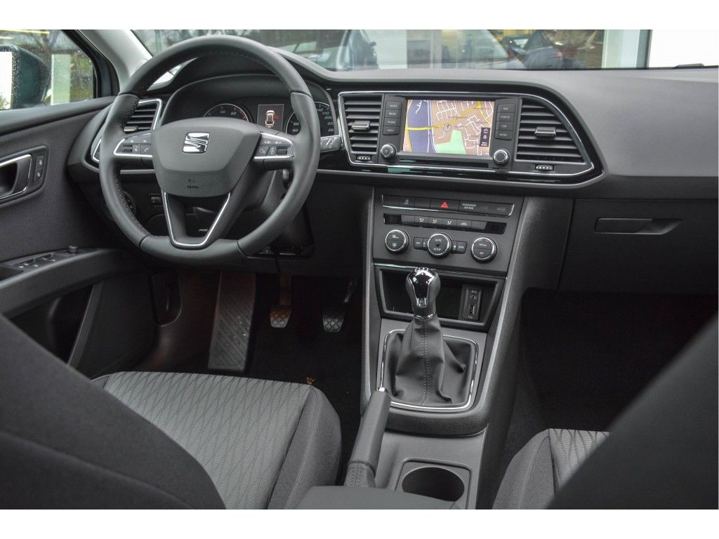 seat-leon-st-1-0-ecotsi-style-connected-last-edition-04